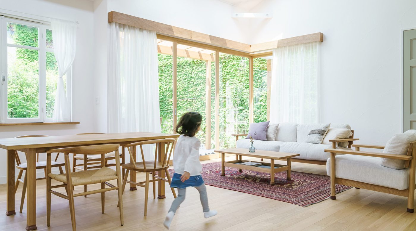 木の家具の部屋